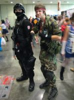 Otakon 2013 - Umbrella Operative and Solid Snake by TujoThePanda