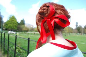 Red Ribbon by Cairdiuil