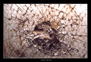 ShaTterEd PaNe by MikePecci