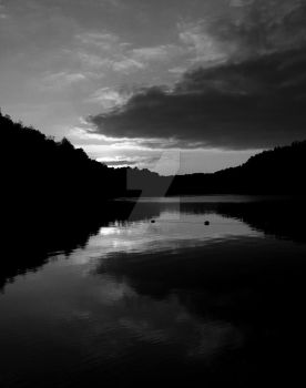 Lakeside Sunset Black and White by zaphotonista