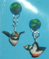 Duck Hunt earrings by estranged-illusions