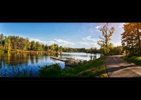 LakE Panorama by MRBee30