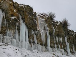 Icy Pakri cliff by Annikaluure
