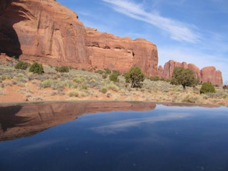 Monument Valley Reflection by telakur