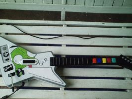 My Guitar Hero 2 Controller by MKBisKuT