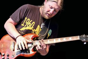 Tedeschi Trucks Band:  Derek Trucks by basseca