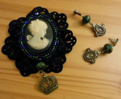 Large Victorian Cameo Brooch and Earrings by loveandeyeballs