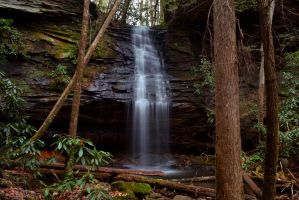 Devil's Den Falls by notneb82