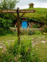 Navigate Hobbiton by jacobjellyroll