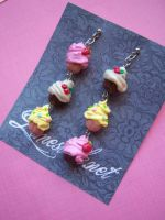 mini cupcakes earrings by Bottine