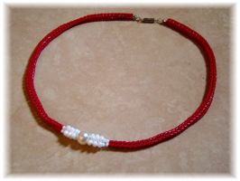 Red and whit necklace by jasmin7
