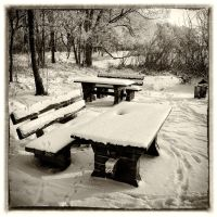 Picnic Place in winter time by MichiLauke
