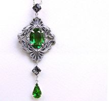 Emerald Green Necklace by Aranwen