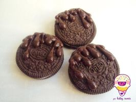 double chocolate oreos by KPcharms