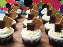 S'mores Cupcakes by dashedandshattered