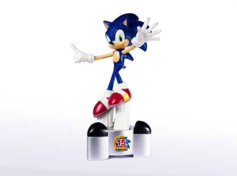 Sonic the Hedgehog 15th anniversary statue by EGGMAN-X