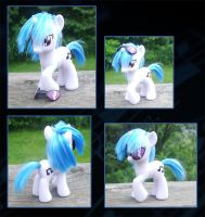 My Little Pony Vinyl Custom 3 by kaizerin
