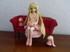 Chobits in pink by Mako-chan89