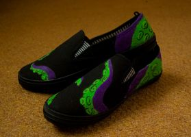 kraken Shoes side 2 by kraken-Designs
