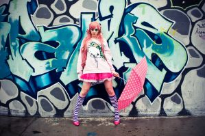 Japanese Street Fashion 4 by lariencelebrindal