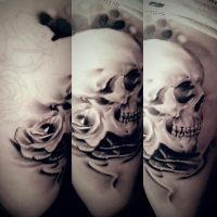 Skull and Roses Tattoo healed by LittleRock3DD