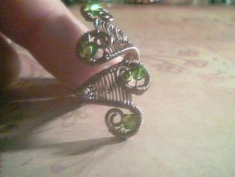 Adjustable Wire Ring - Emerald forest by Carmabal