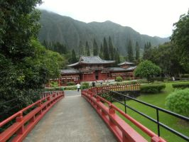 Byodo-In Temple Entrance by rioka