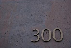 300 by IanTheRed