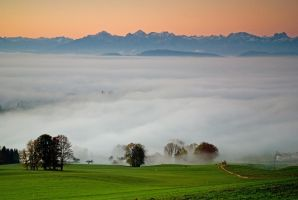 Bavarian sunrise II by mutrus