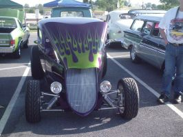 Purple hot rod by Ozzlander