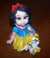 young snow white by melinaminotti