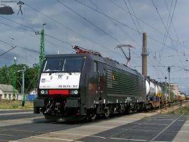 Black MRCE 189 157 with freight in Gyor by morpheus880223
