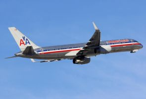 AA Boeing 757-223 by shelbs2