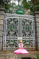 Peach and her kingdom - Cosplay by MishiroMirage