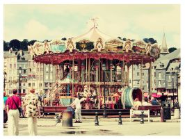 merry-go-round by SamantaT
