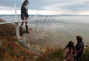 Mila meets Millau by Accasbel