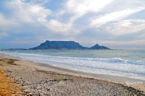 Table Mountain: Cape Town by Gerjen
