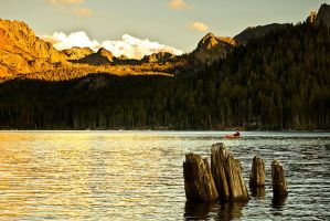 Alpenglow at Lake Mary by shubat