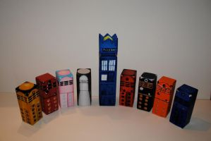 the tardis and all the daleks by hendoria