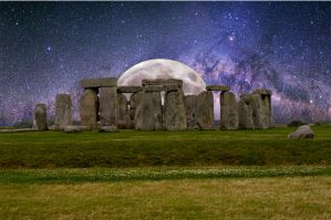 Stonehenge Moonrise by RadarGeeek