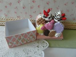 Cupcake Sweet Decoden Box by AngelicLight100