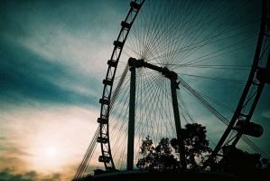 Singapore Flyer by avarenity