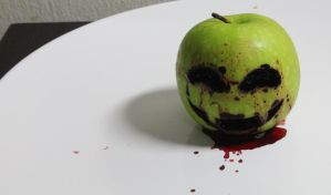 Halloween Apple by 3guna
