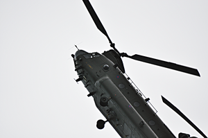 Heavy lift and support: The Chinook HC2 by angelswake-tf