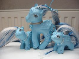 Blue Pony Cherry Family by elfenkatze