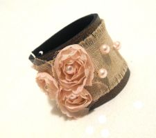 Shabby chic leather bracelet with lace flowers. by julishland