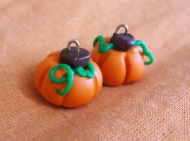 Pumpkin charms by FrozenNote