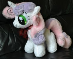 Sweetie Belle plush by Liggliluff