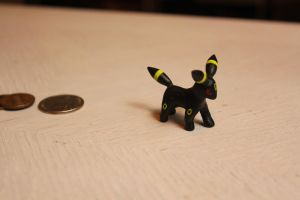 Umbreon Figure by AnnalaFlame