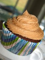 Peanut Butter Cup Cupcakes 3 by kelli1203